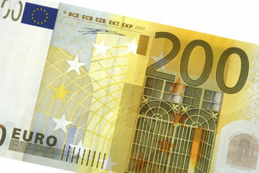Help ik kom 450 euro tekort en wil geld